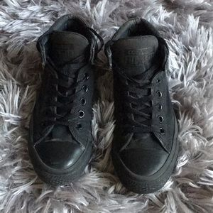 Unisex Black Converse